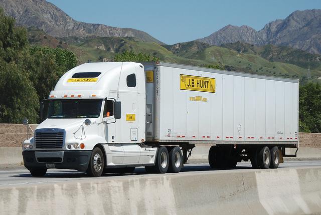 jb hunt trucking